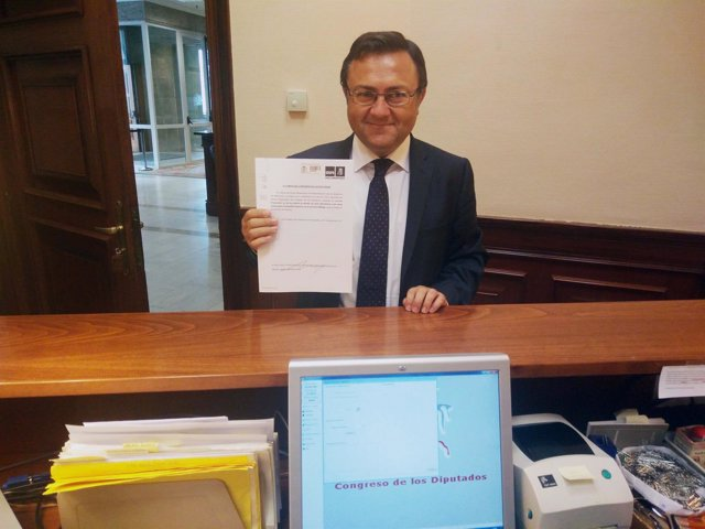 Miguel Ángel Heredia, en el registro del Congreso