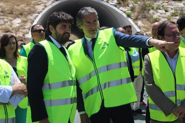 Ministro Fomento, Íñigo de la Serna con López Miras en Variante Camarillas