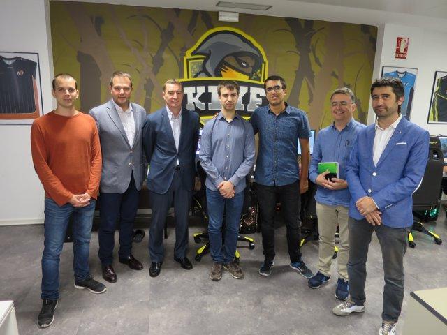 Gerard Figueras i Jordi Puigneró visiten la seu de SevenMila