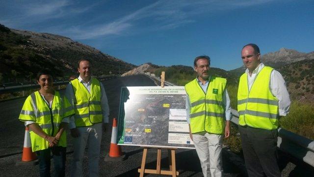 Felipe López visita las obras de la A-92 en el Puerto de la Mora