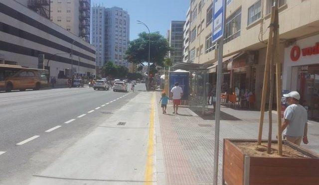 La parada del autobús en el hospital Puerta del Mar