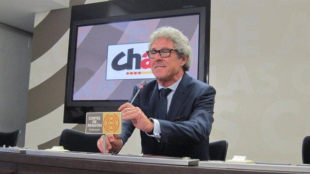 Gregorio Briz (CHA) en rueda de prensa tras la primera sesión del Debate