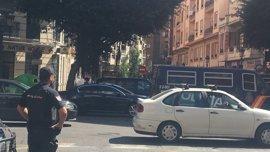 L'agent mort apunyalat seguia el rastre de sang de la maleta fins al domicili de l'agressor a València