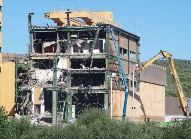 Demolición central térmica de Foix