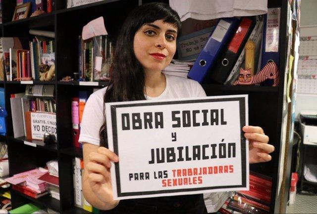 Una activista y actriz porno argentina denuncia a Facebook por censura