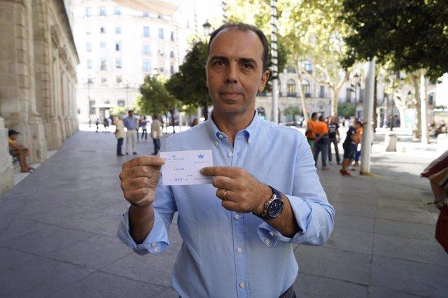 Ciudadanos (Cs)| Imagen De Recurso De Javier Millán Con Entrada A Mano Del Alcáz