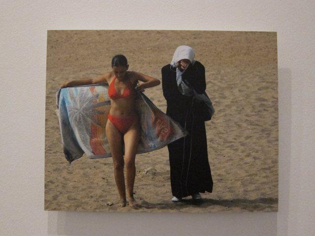 Fotografia 'A girl' (2003) de Zohra Bensemra