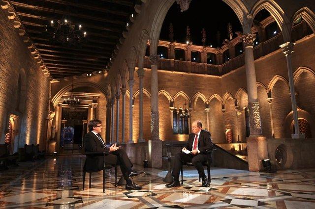 El president de la Generalitat  Carles Puigdemont, entrevistat en Tv3