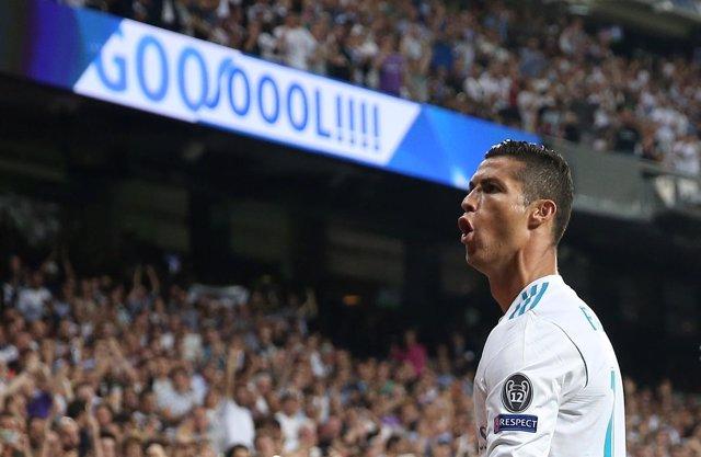 Cristiano devuelve la paz al Bernabéu