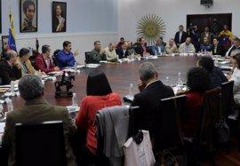 """Venezuela dice que Gobierno y oposición están """"muy cerca de resolver algunos puntos álgidos"""""""
