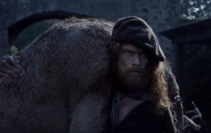 Outlander: Jamie Fraser es el hombre más buscado en el nuevo avance del 3x02