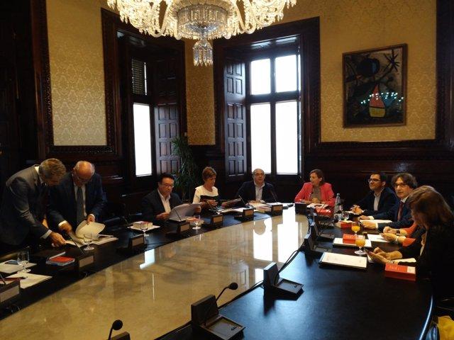 Reunión de la Mesa del Parlament el día en que se votará la ley del referéndum