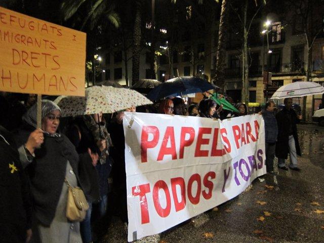 Imatge d'arxiu d'una protesta de col·lectius d'immigrants a Barcelona
