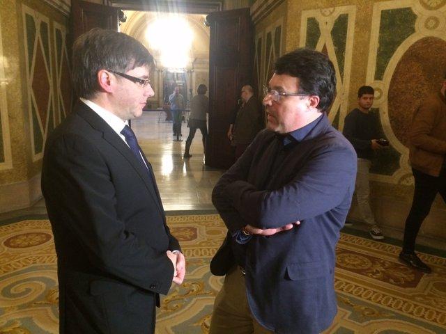 El president  Carles Puigdemont i Joan Josep Nuet (SïQueEsPot)