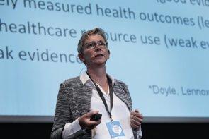 """La tecnología es """"muy útil"""" para ayudar a """"romper la barrera de comunicación entre médico y paciente"""", según experta (XPATIENT,)"""