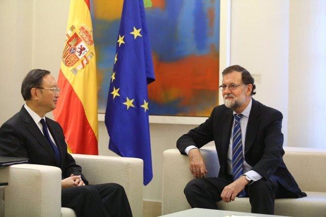 Mariano Rajoy recibe al dirigente chino Yang Jiechi