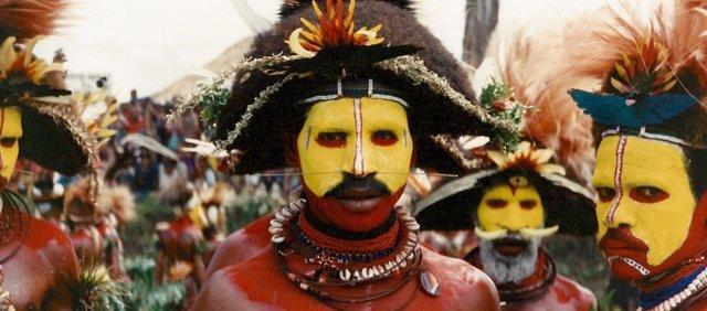 Nativos de Papúa Nueva Guinea