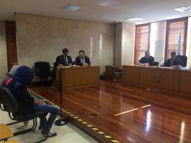 Dos jóvenes aceptan dos años de cárcel por obligar a otra a prostituirse en Santiago