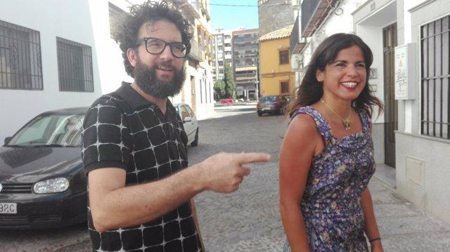 Jorge Hidalgo junto a Teresa Rodríguez