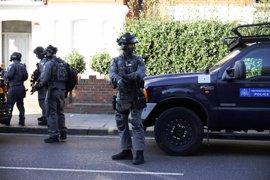 El Gobierno británico eleva al máximo la alerta antiterrorista tras el atentado en el metro de Londres