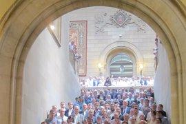 Puigdemont y Colau reciben este sábado a los más de 700 alcaldes citados