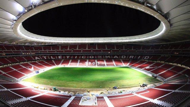 El Wanda Metropolitano ya tiene césped a 10 días de su primer partido