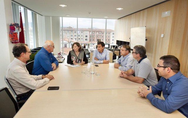 La consejera Elizalde con los representantes de la USDA y de la UPNA