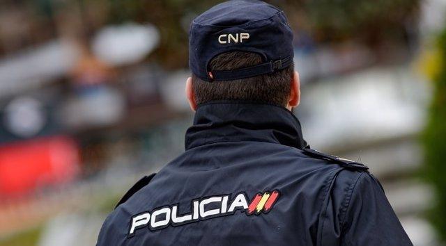 IMAGEN DE RECURSO DE UN POLICÍA
