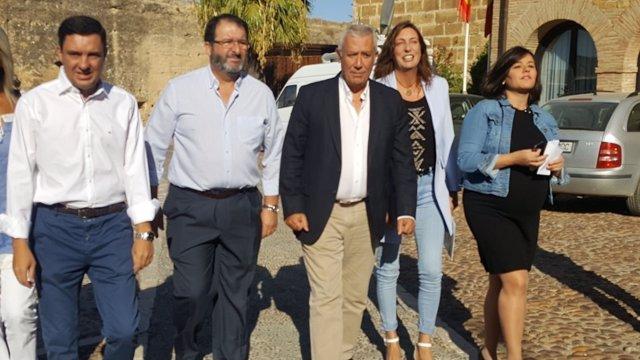 El vicesecretario del PP Javier Arenas, en un acto en Carmona (Sevilla)