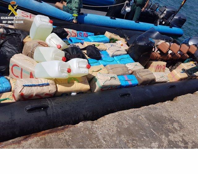 Embarcación con 3,5 toneladas de hachís