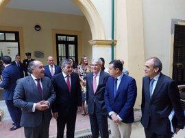 """Dastis se reúne con alcaldes del Campo de Gibraltar para trasladar a otros ministros """"sus reivindicaciones"""""""