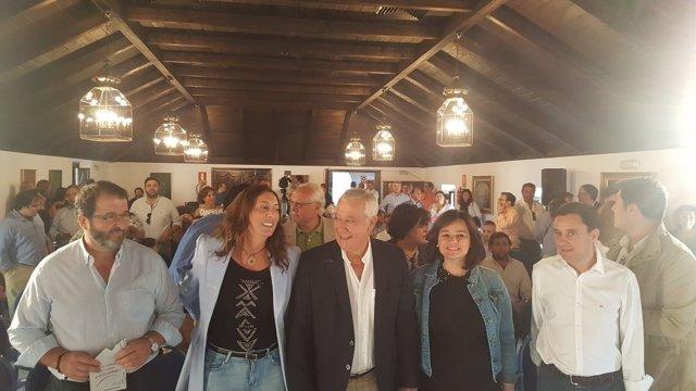 Acto del PP en Carmona (Sevilla), con Javier Arenas y Loles López