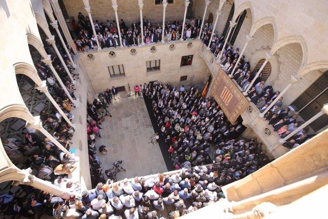 Acto con más de 700 alcaldes en el Palau de la Generalitat