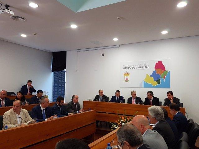 Reunión de la Mancomunidad de Campo de Gibraltar con Alfonso Dastis