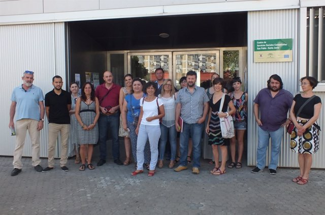 Reunión de IU y Participa Sevilla con trabajadoras de Servicios Sociales Nervión