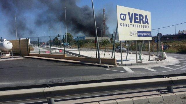 Incendio en planta de reciclaje de papel polígono villarosa málaga capital sept