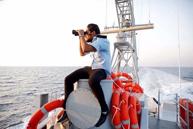 Un barco de la Guardia Costera libia