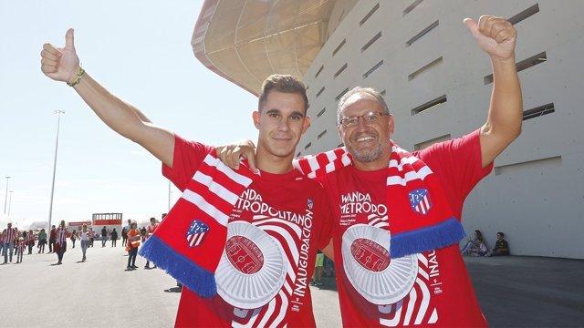 Aficionados del Atlético de Madrid en el Wanda Metropolitano