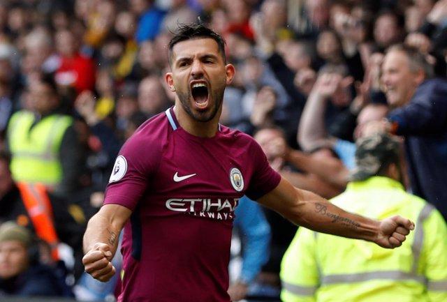 Sergio Kun Agüero celebra un gol con el Manchester City
