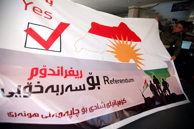 Pancarta a favor del referéndum independentista en el Kurdistán iraquí
