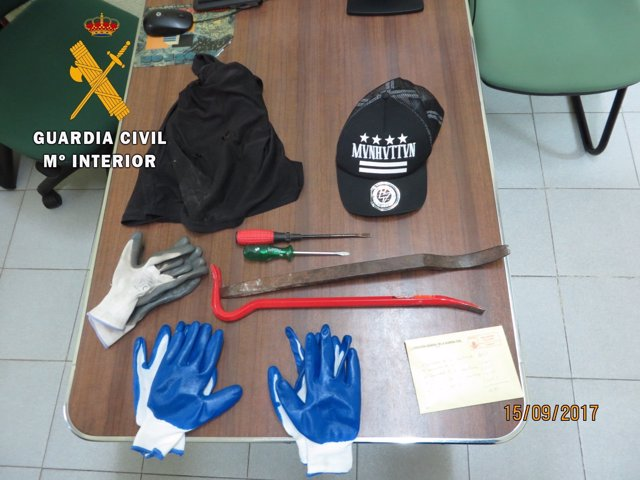 Material intervenido usado para cometer los robos
