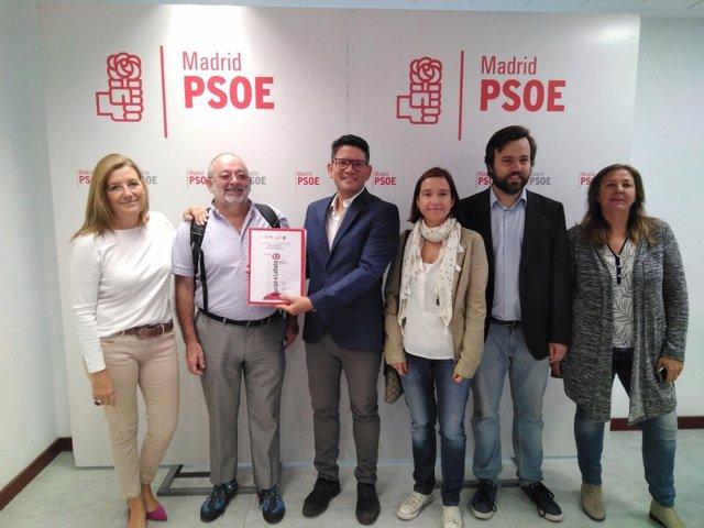 Entrega de avales de la candidatura de Juan Lobato
