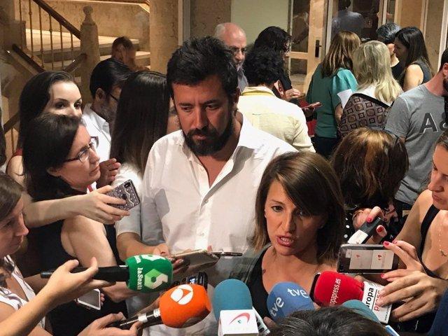 Yolanda Díaz, portavoz de En Marea, y el diputado Antón Gómez-Reino