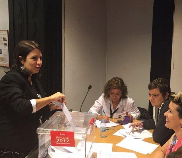 Adriana Lastra vota en las primarias de la FSA-PSOE