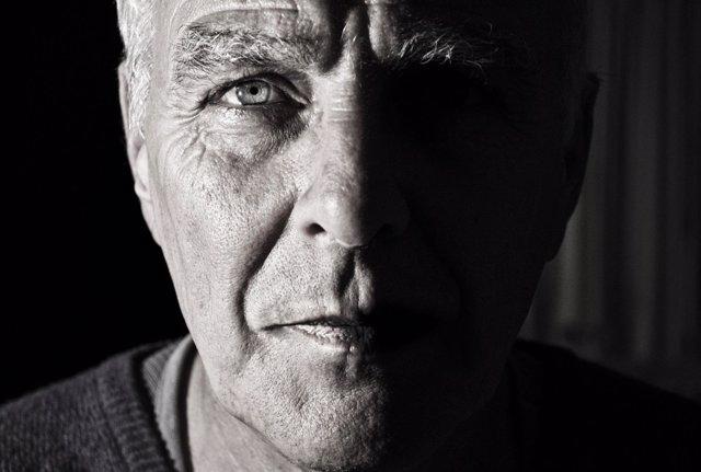 Hombre mayor, Alzheimer, demencia