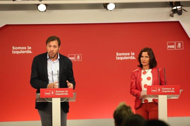 Rueda de prensa de Óscar Puente y Luz Martínez Seijo en la sede del PSOE