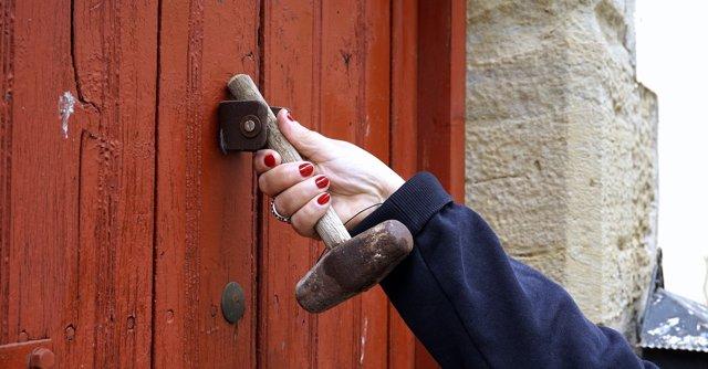 Soluci n a la chilena ten a el timbre de casa roto y mira con qu ingenio lo arregl - Timbre de casa ...