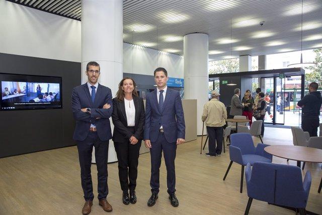 Caixabank abre en burlada una nueva oficina de su modelo for Oficina 2100 caixabank