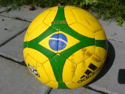 El Brasil avança l'ús del VAR després d'un error arbitral en un partit (WIKIPEDIA)