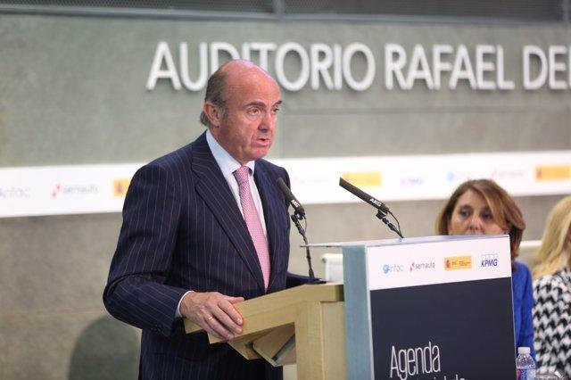 Luis de Guindos en una presentación
